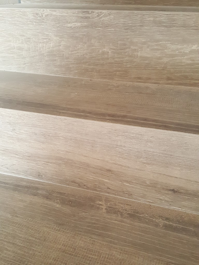 Scala gres porcellanato effetto legno
